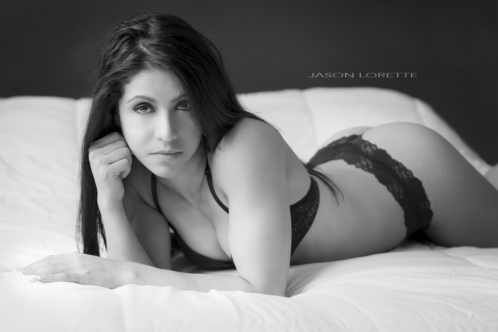 Black & White Boudoir - Jason Lorette - Moncton - Refrain Photography